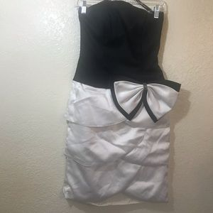 Night way Strapless prom/ cocktail dress SZ 4